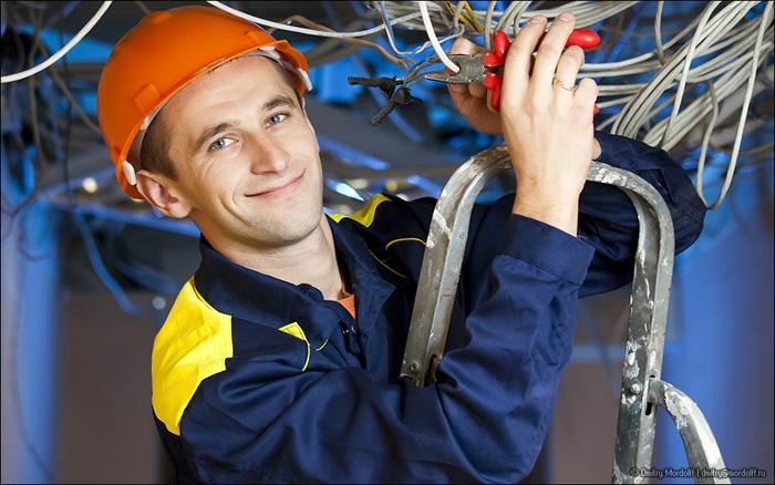 Профессия – электромонтер. Где и как ее получить?